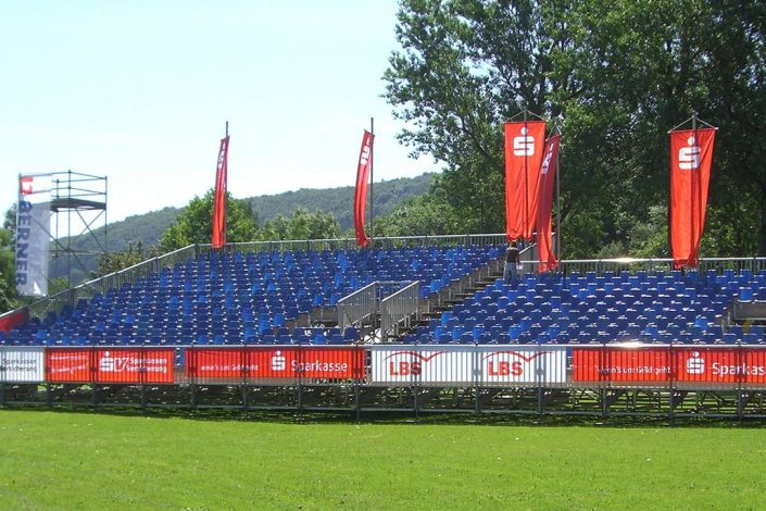 Sportplatz Zuschauertribüne von Dittus