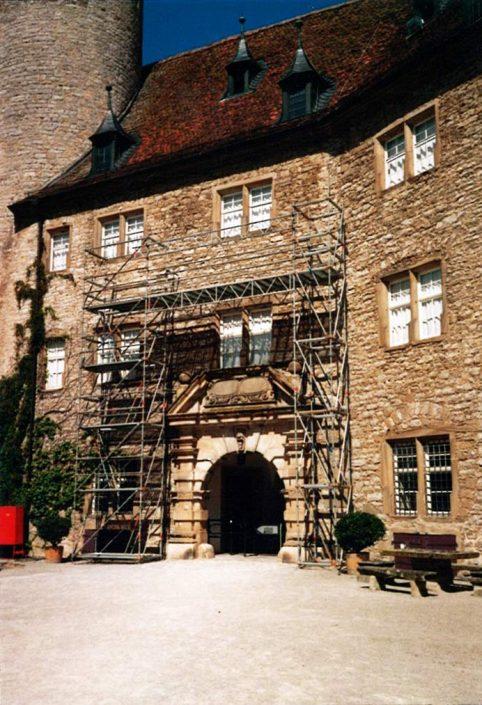 Gerüst an Burg